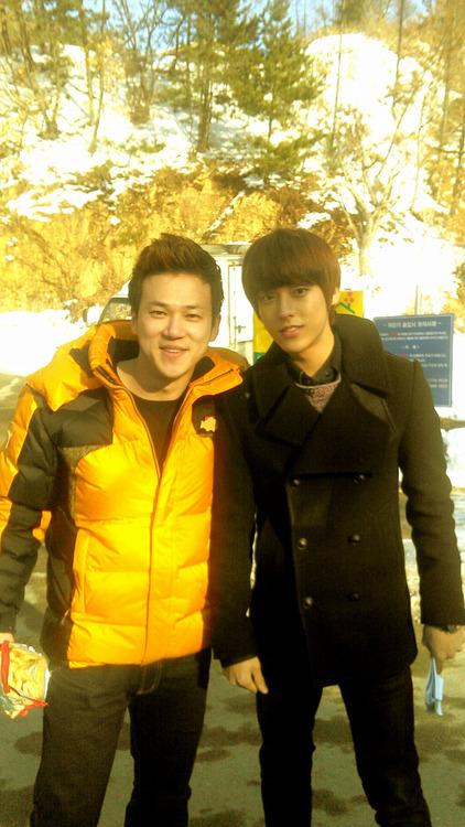 [TWITTER] Wang Bae + selca avec Minhyuk