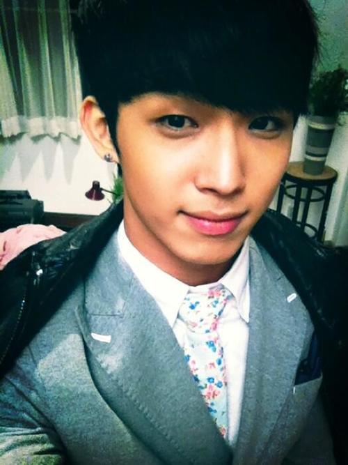 [TWITTER] 05.04.2013 Hyunsik